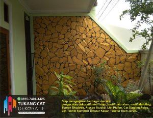 cat motif batu alam