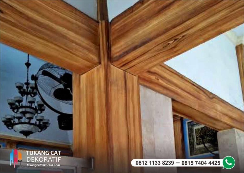 cat motif kayu